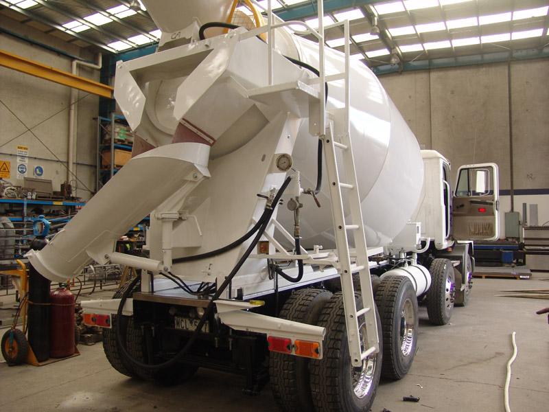 Concrete Batch Plant Agitator Cement Truck Transit Mixer